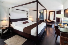 358-room-10-hotel-barcelo-santa-cruz-contemporaneo_tcm19-41771_w1600_h870_n