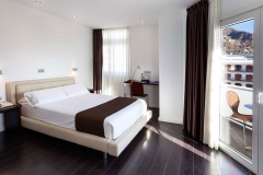 358-room-4-hotel-barcelo-santa-cruz-contemporaneo_tcm19-41759_w1600_h870_n