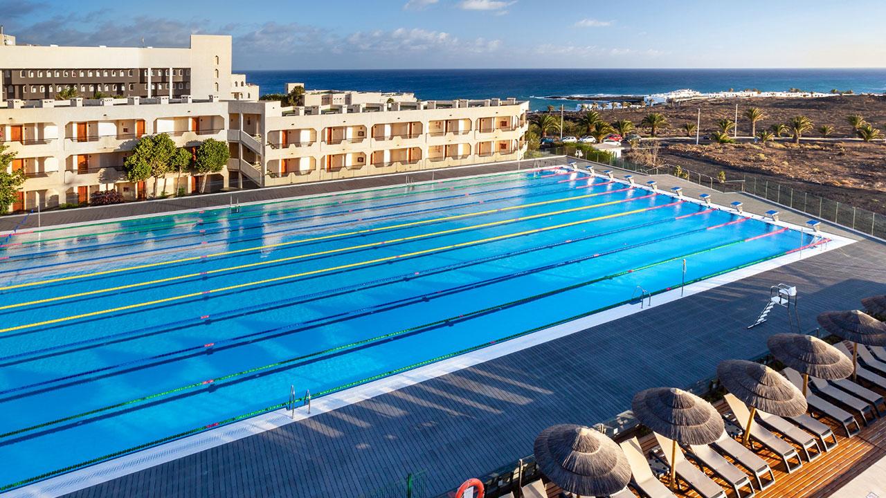 123-swimming-pool-11-hotel-barcelo-lanzarote-resort_tcm7-101298_w1600_n