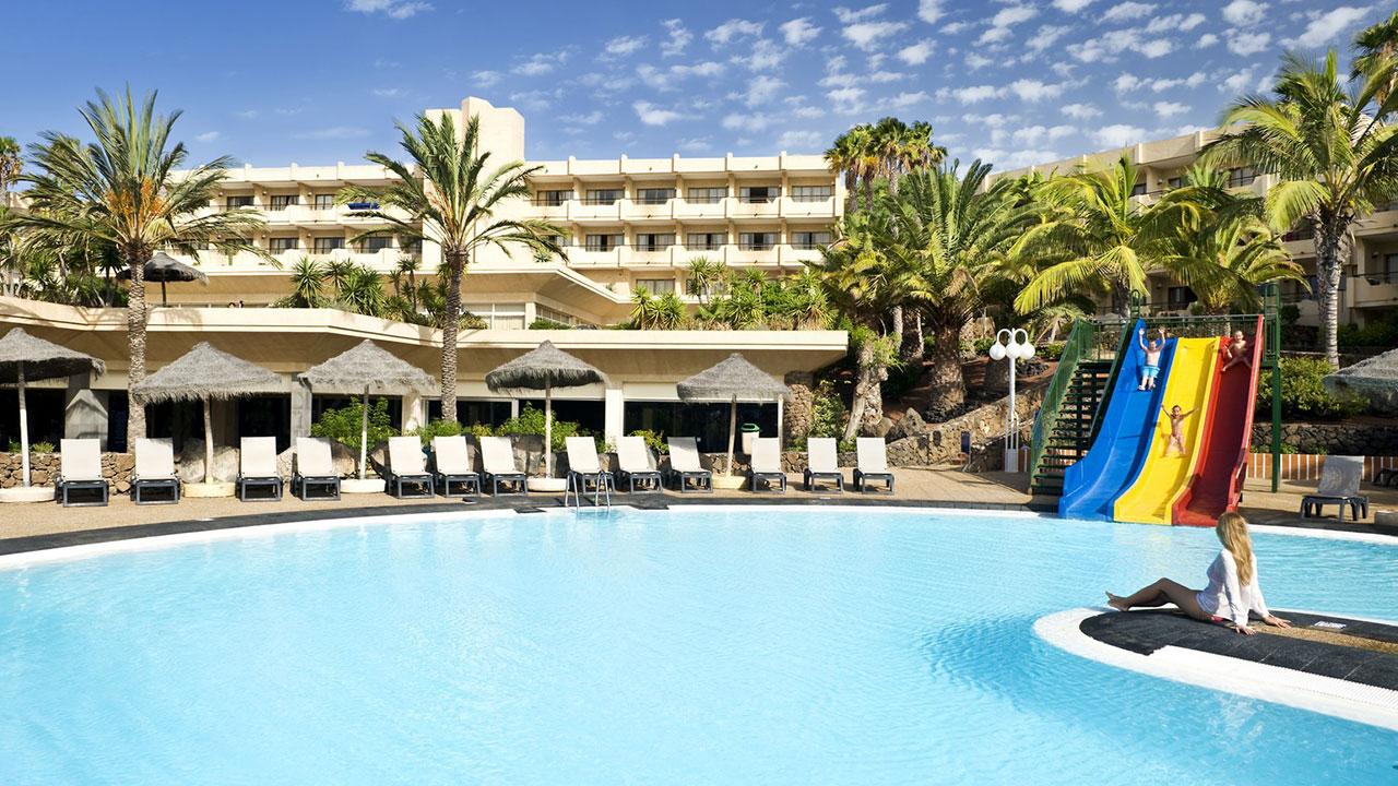 123-swimming-pool-23-hotel-barcelo-lanzarote-resort_tcm7-104051_w1600_h870_n