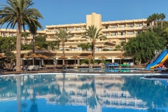123-swimming-pool-7-hotel-barcelo-lanzarote-resort_tcm7-96089_w1600_n