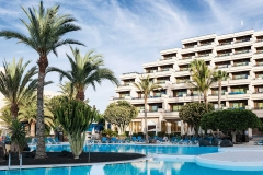 398-swimming-pool-2-hotel-occidental-lanzarote-playa_tcm7-91555_w1600_h870_n